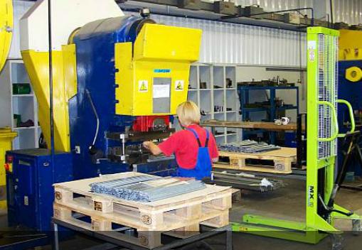 Zamówienie Obróbka plastyczna na prasach hydraulicznych