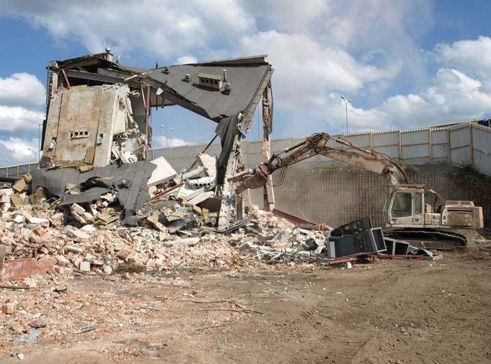 Zamówienie Burzenie budynków zniszczonych