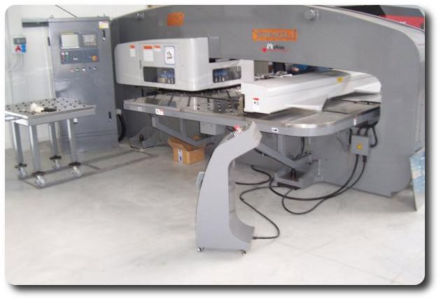 Zamówienie Wykrawanie na prasie rewolwerowej CNC