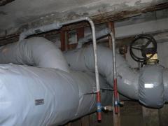 Izolacja rurociągów i armatury w komorze