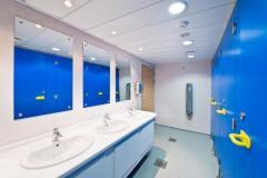 Dostawa i montaż kabin sanitarnych, wraz podłączeniem do istniejących systemów wodno- kanalizacyjnych