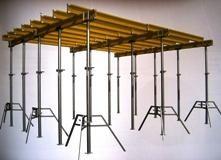 Wynajem stojaków trójnożnych do szalowania stropów