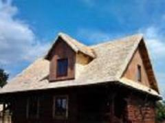 Installation of roofs with aspen chip