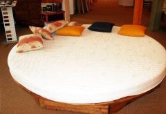Łóżko okrągłe z materacem lateksowym