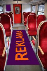 Reklama na podlodze wagonów SKM