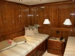 Mebli, ściany, sufity jachtu