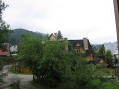 Wygodne i widne pokoje z widokiem na góry