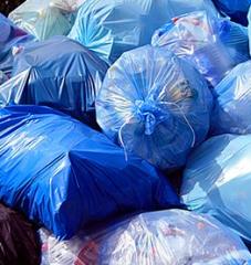 Recykling i składowanie odpadów drewnianych.