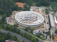 Prefabrykacja konstrukcji stalowej dachu i pomostów technicznych dla Hali Widowiskowej w Łodzi.