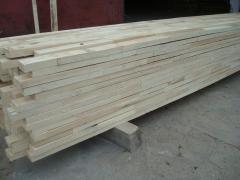 Drewno konstrukcyjne- elementy drewniane nieobrobione łączone na długość- na mikrowczepy
