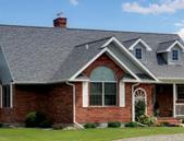 Pośrednictwo w sprzedaży różnego rodzaju nieruchomości.