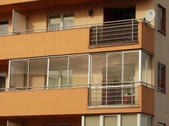 Zabudowa balkonów, aluminiowe okna przesuwane