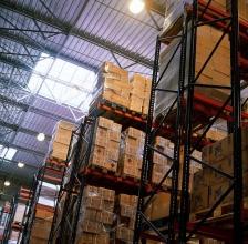 Obsługę magazynowa i celna przesyłek w składzie celnym