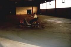 Wykonanie posadzek z półsuchego betonu