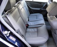 Tapicerowanie wnętrza samochodu