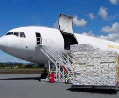 Lotniczy transport ładunków