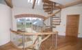 Gięte schody drewniane